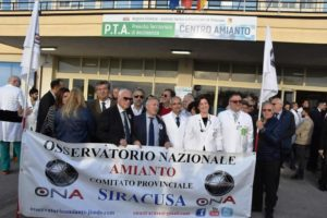 Sicilia: sit in siracusa